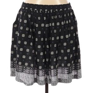 Two by Vince Camuto Skirt size Medium
